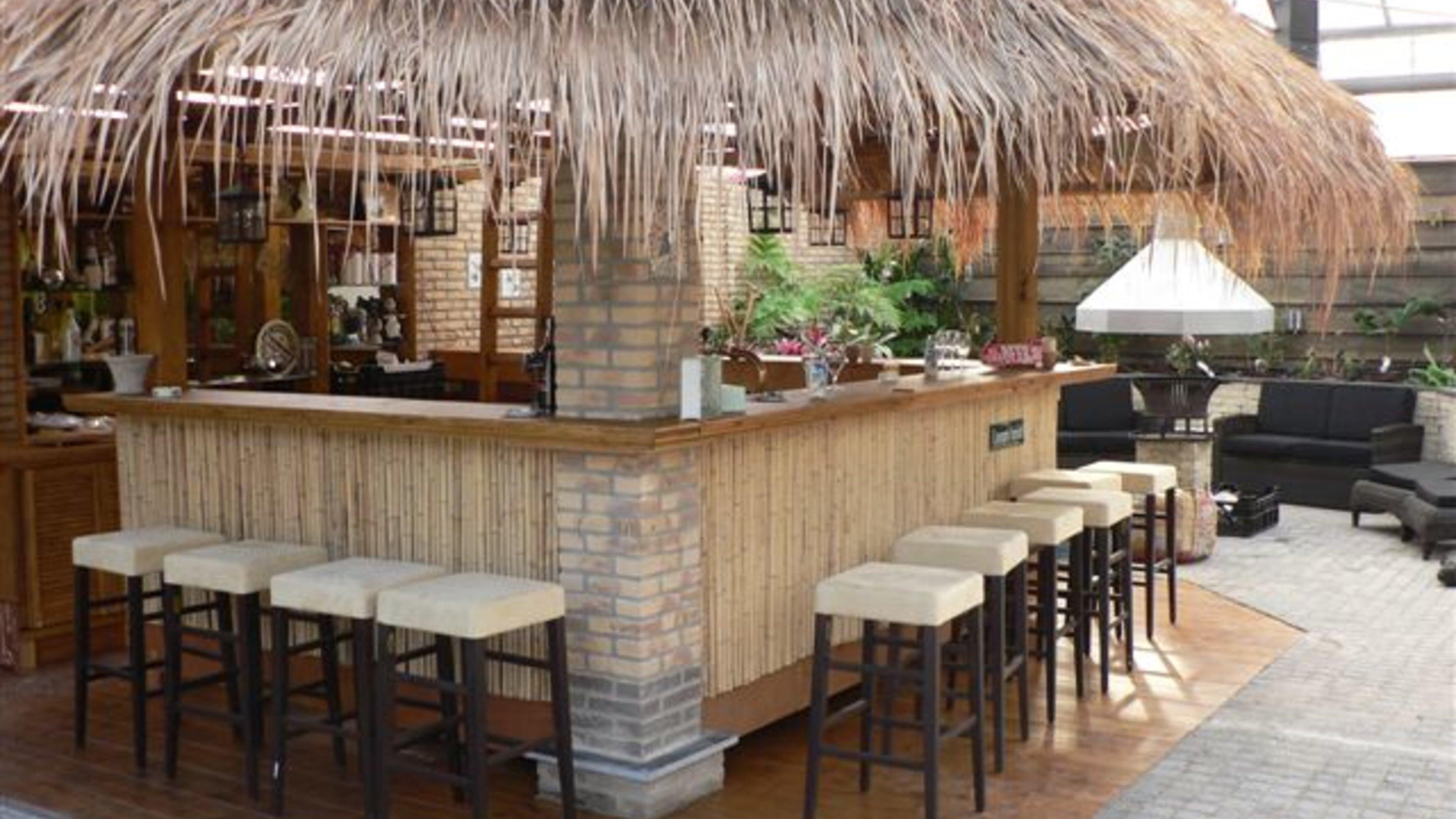 A Tropical Jacuzzi Bar In Boskoop Trouwlocatie Feestzaal
