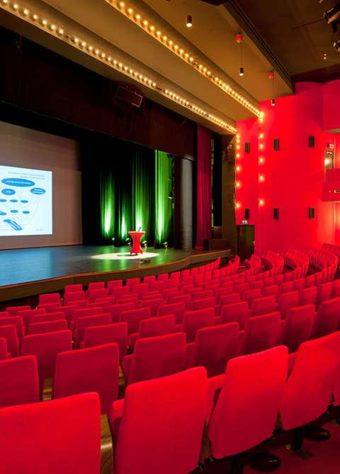 Schouwburg de meerse het oude raadhuis in hoofddorp for Hoofddorp theater